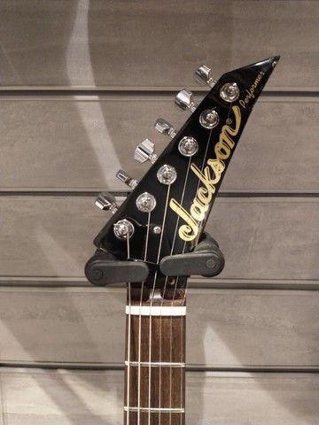 Guitarra Jackson Performer Flying V Randy Rhoads EMG 81 85 - Foto 2