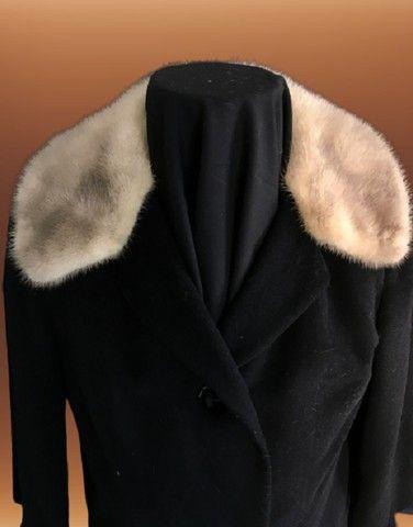 Casaco lã batida preta com gola de Vison (usado) - Foto 2