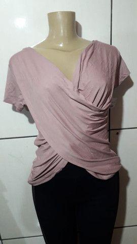 Blusa transpassada por R$ 30,00 cada - Foto 2