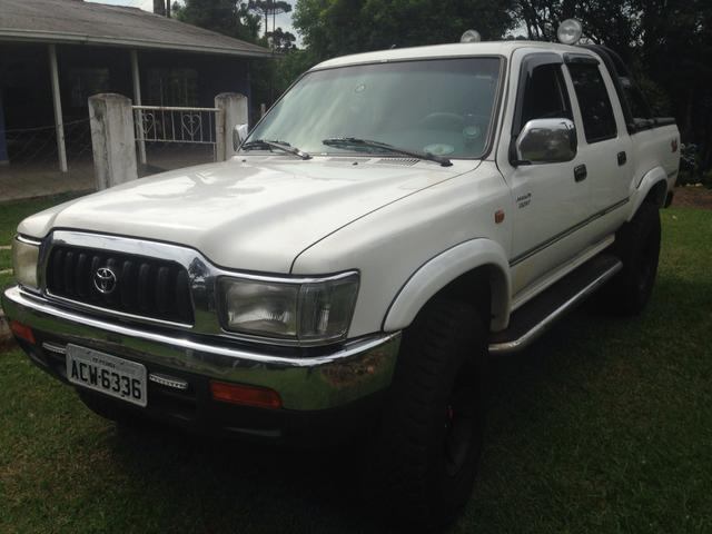 PICK-UP HILUX CD SR 2002 116 VC