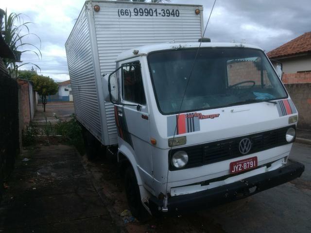 Vendo caminhão VW 6.90 Bau