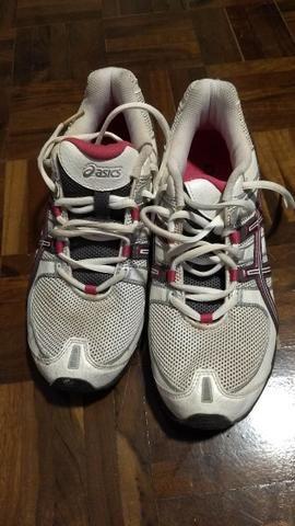 5882d76d28410 Tênis Asics feminino 36 - Roupas e calçados - Água Verde