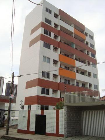 Apartamento de 80 m², 3 quartos e 2 vagas cobertas na garagem - Foto 2