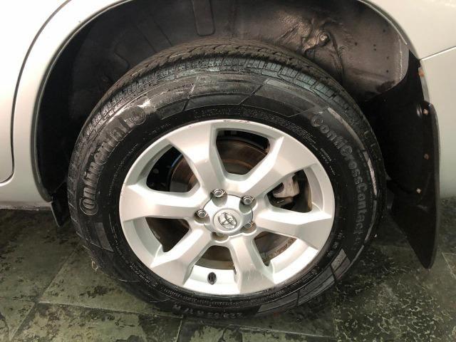Toyota RAV4 4x4 2.4 16V Gasolina Automática - Foto 9