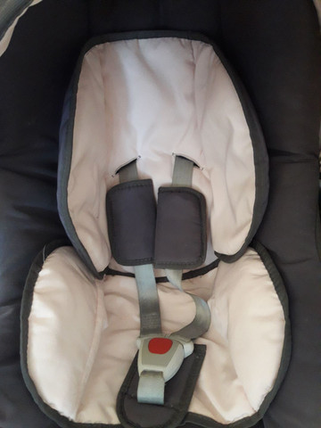 Vende-se bebê conforto semi novo.  - Foto 3