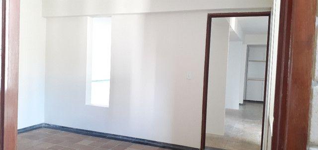 AL98 Apartamento 4 Suítes e Varandas, Varandão, 6 Wc, 3 Vagas, 405m², Beira Mar Boa Viagem - Foto 6