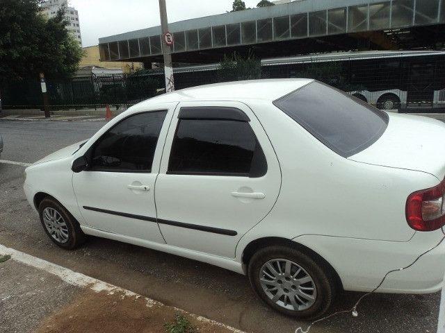 Fiat siena hlx 2006 em perfeito estado financio mesmo com nome sujo - Foto 5