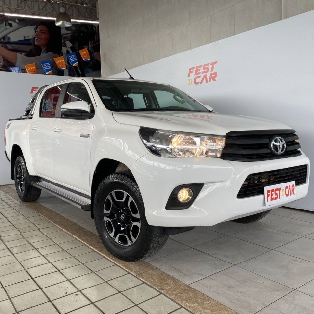Toyota Hilux 2.8 Narrow 4x4 CD 2018 Diesel Manual (81) 9 9124.0560 Brenda - Foto 3