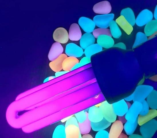 Lampada Luz Negra Efeito Neon 35w 127v - leia a descrição - Foto 3