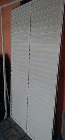 Porta Branca de alumínio.. 120x210
