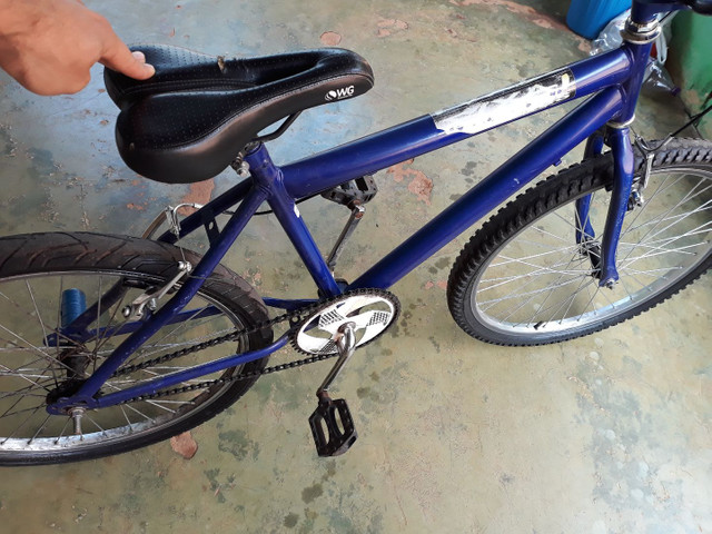 Troco  bicicleta aro 24 semi nova  - Foto 2