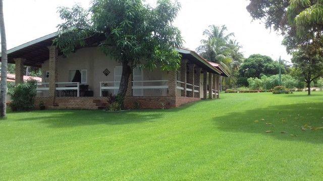 Casa na Lagoa do Uruaú, 17.500m² de área total, condomínio fechado, piscina - Foto 2