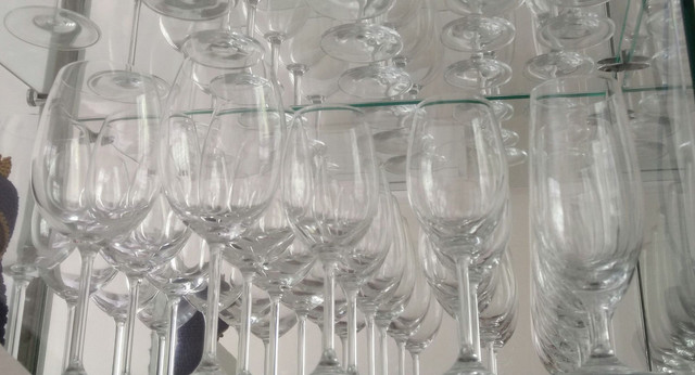 Vendo taças de cristal: vinho, água e martini marca Bohemia - Foto 3