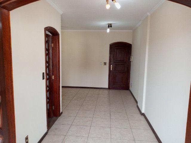 A301 - Apto com um dormitório em local nobre - Foto 9
