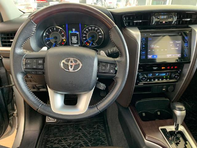 Toyota Hilux Sw4 2.7 SRV 7 LUGARES 4X2 16V FLEX 4P AUTOMATICO - Foto 12