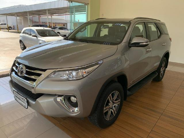 Toyota Hilux Sw4 2.7 SRV 7 LUGARES 4X2 16V FLEX 4P AUTOMATICO - Foto 3