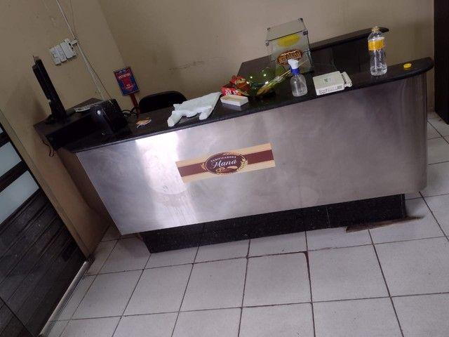 Caixa de supermercado em mármore adiciona cadeira e computador  - Foto 5