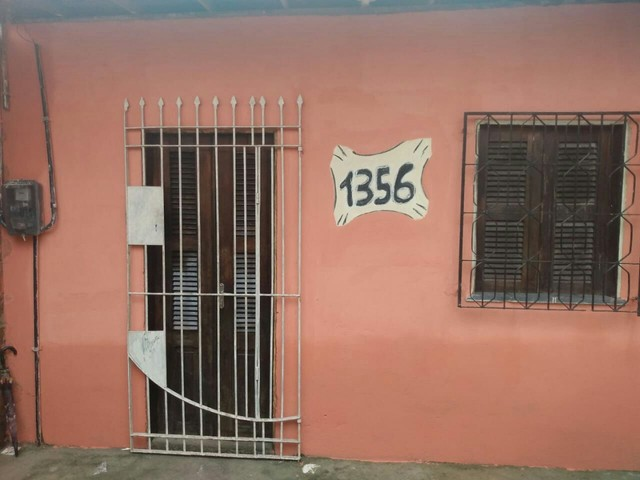 Casa em avenida - Foto 2