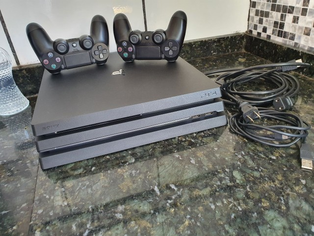 Playstation 4 pro 1t 4k - Foto 2