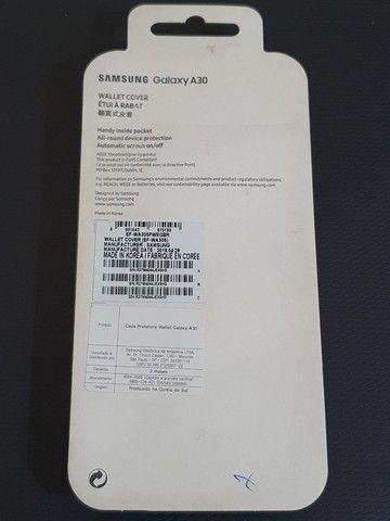 Capinha Original (Flip Wallet Cover) Samsung A30 - Foto 5