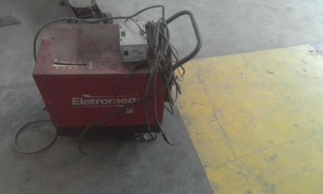 Vende-se Máquina de solda Elétrica da Marca Maxi 280 usado em perfeito estado