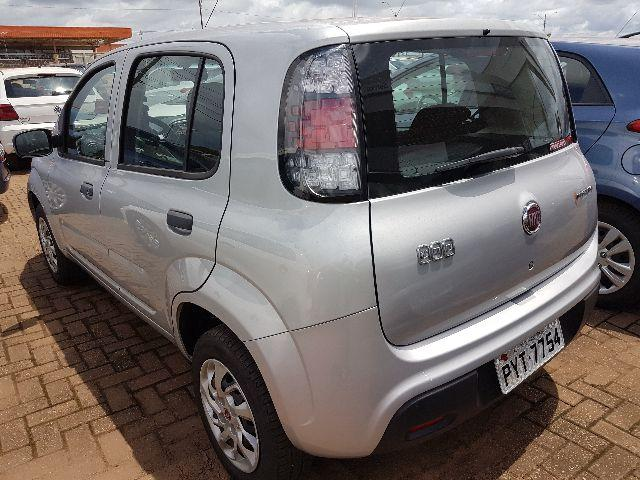 Fiat Uno modelo novo