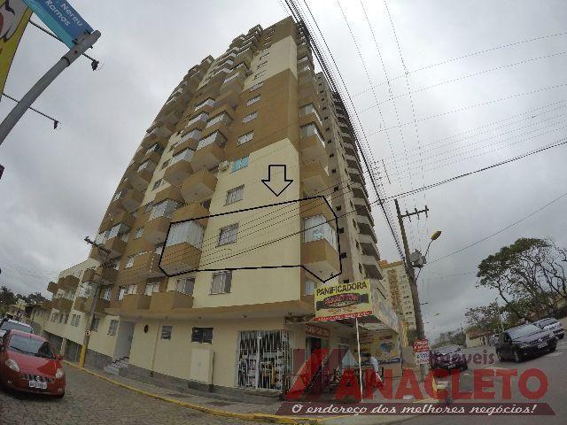 Excelente apartamento com vista para o mar no centro de Piçarras