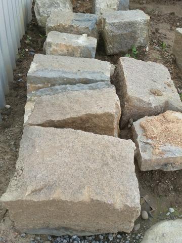 Pedras/alicerce