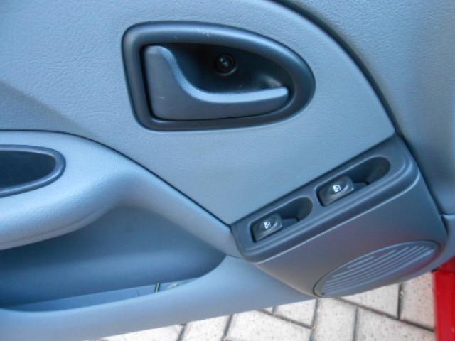 RENAULT CLIO CAMPUS HI-FLEX 1.0 16V 5P - Foto 9
