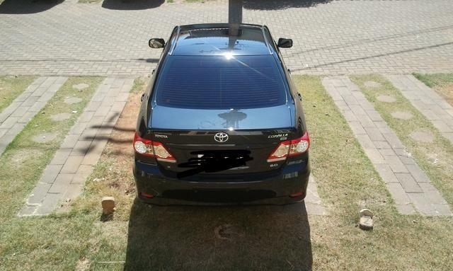 Toyota Corolla 2.0 16v Flex 4p preto 11/12 c/ kit multimídia - Foto 2