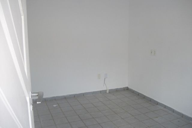 Vendo Casa Localizada no Jardim aeroporto. - Foto 5
