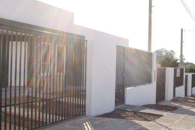 Casa com 2 dormitórios, porém com opção para 3 dorms, averbada e nova no Santa Candida - Foto 5