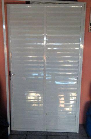 Porta Branca de alumínio.. 120x210 - Foto 2