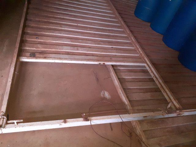 Portão basculante articulado para galpões  - Foto 2