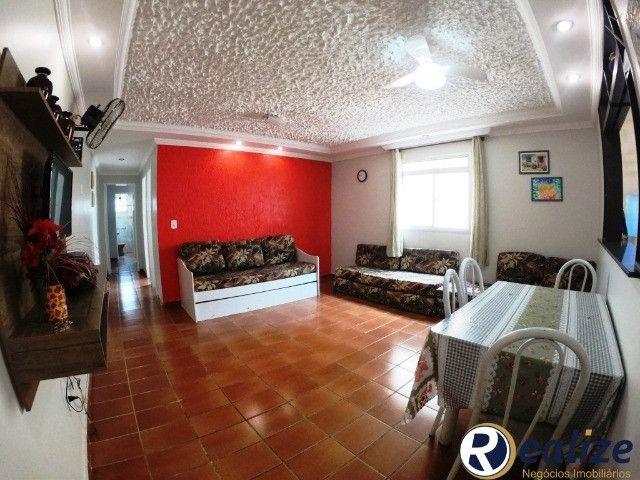 Apartamento de 2 quartos com dependência de empregada na Praia do Morro