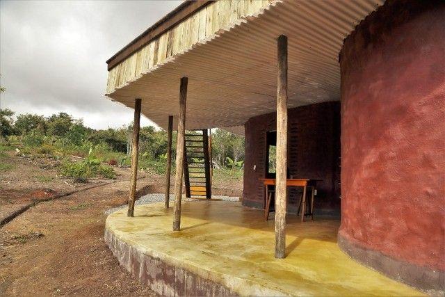 Vale do Capão Casa Artística 15 mil m2 com rio 2 quartos a menos de 1km da vila - Foto 5