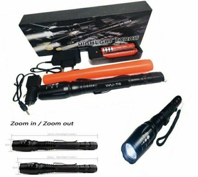 Lanterna Tática LED WU-T6 Police 2.210.000 Lumens Com 2 Baterias de Longa Duração