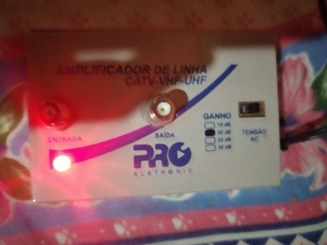 Amplificador de linha pro CATV-VHF-UHF