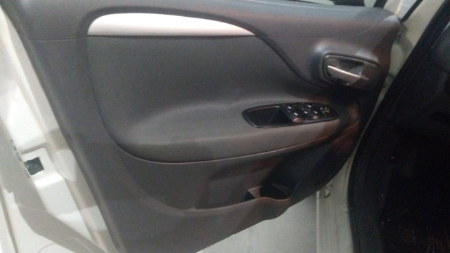 Fiat Punto essenc automático. - Foto 10