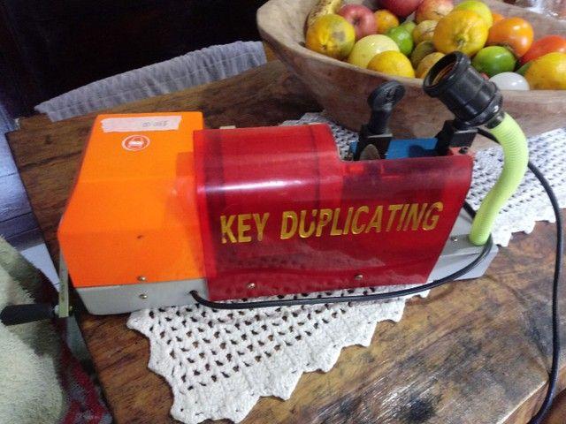 Vendo maquina copiadora de chaves