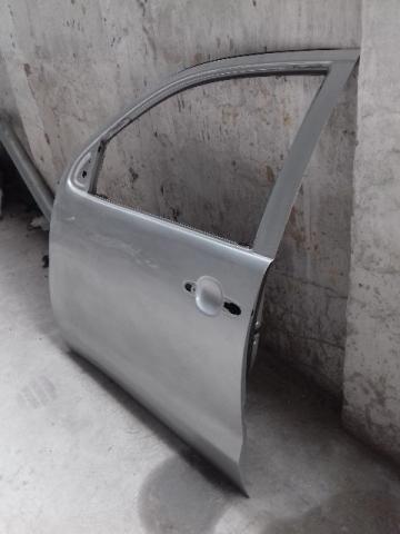 Toyota Hilux Porta dianteira esquerda