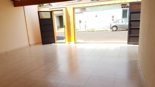 Casa com 03 quartos em Araxá - Foto 2