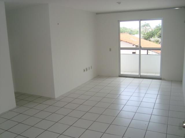Apartamento de 80 m², 3 quartos e 2 vagas cobertas na garagem - Foto 3