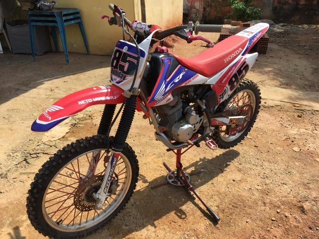 Vendo ou troco honda Crf 230cc - Foto 2