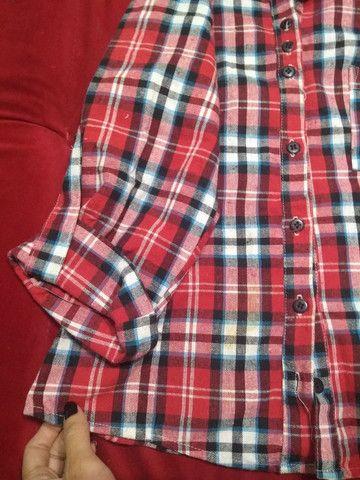 Blusa Quadriculada P TECIDO GROSSO - Foto 3