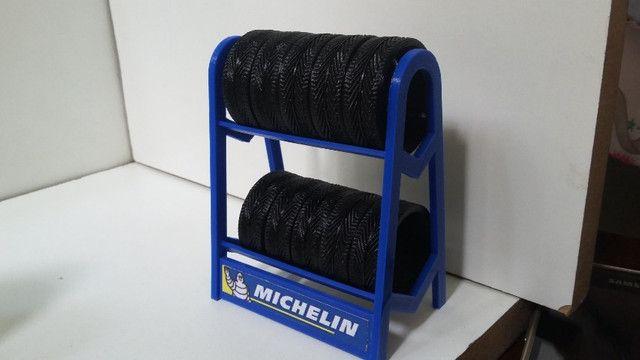 Miniatura Rack com pneus escala 1:18 - Foto 2