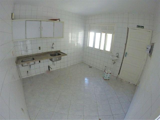 Alugo Casa Comercial em Jardim Camburi com 240m² e 4 vagas - R$ 8.000,00 - Foto 10