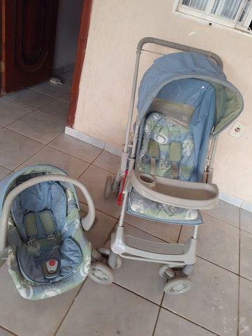 Carrinho infantil  com bebê conforto estado de novo bem cuidado.. - Foto 3