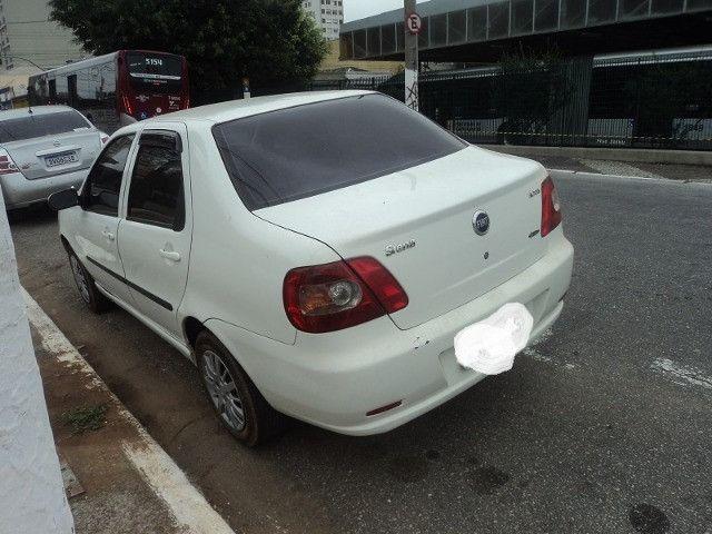Fiat siena hlx 2006 em perfeito estado financio mesmo com nome sujo - Foto 4