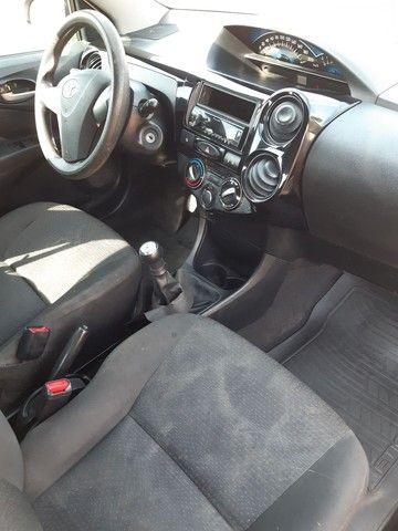 Toyota Etios hatch x 1.3 Flex 2014 - Foto 5